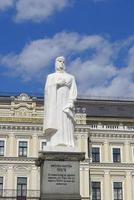 monument voor prinses olga, kiev foto