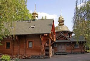 houten orthodoxe kerk in Kiev foto