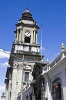 kathedraal in de stad guatemala foto