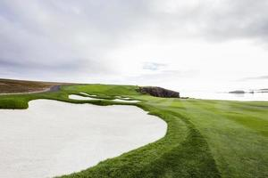 kustlijn golfbaan in Californië foto