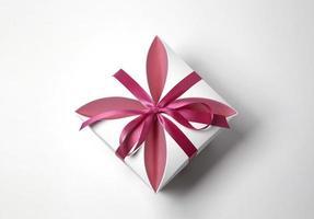 verpakte doos met lint