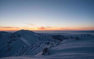skigebied in de bergen winter foto