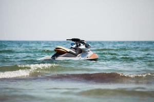 jetski in het water foto
