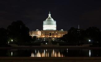 Capitool van de Verenigde Staten 's nachts foto
