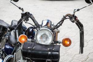 vooraanzicht van de klassieke motorfiets foto