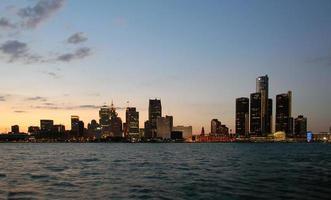 nachtelijke skyline van Detroit foto