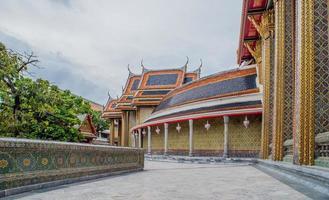 wat phra kaew in bangkok - tempel van smaragdgroene boeddha foto