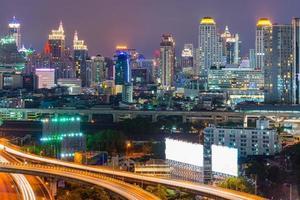 uitzicht op de wolkenkrabber van bangkok in bangkok, thailand.bangkok is t foto