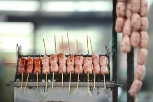 varkensworstjes gebarbecued foto
