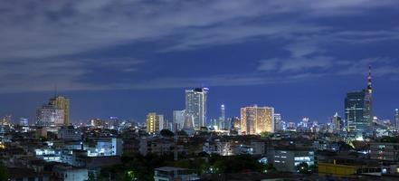 de skyline van de stad van bangkok foto