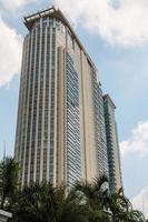 hoog gebouw in Bangkok foto