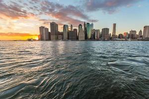 New York centrum bij zonsondergang foto
