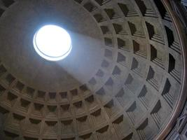 pantheon dome in Roma foto