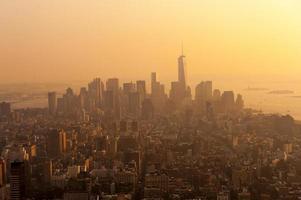zonsondergang op Manhattan foto