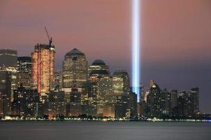 ground zero herdenkingsstralen van licht foto