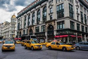gele taxi in New York foto