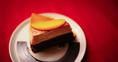 cake met perziken