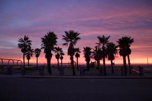 Venetië strand zonsondergang hemel tijdens de winterzonnewende