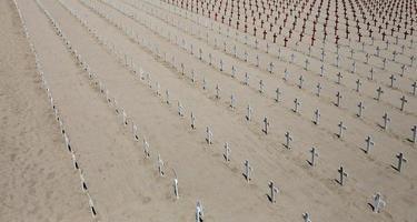 herdenkingsbegraafplaats op het strand van Santa Monica, Californië foto
