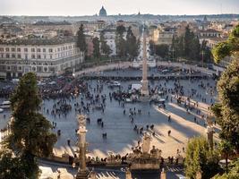 Piazza del Popolo in Rome foto