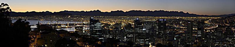 panorama van Kaapstad naar het oosten foto