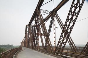 long bien bridge, vietnam. foto