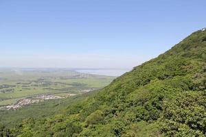 heuvel van bor (morro da borússia). foto