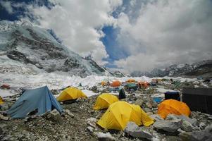 tenten in het meest everest basiskamp. Nepalese Himalaya. foto