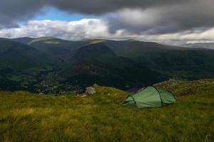 kamperen in het wild foto