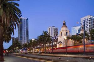 Santa Fe treindepot downtown San Diego Californië schemering foto