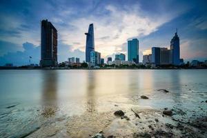 het centrum van saigon in zonsondergang, ho chi minh city, vietnam