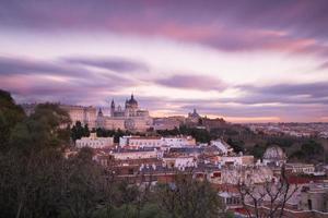 Kathedraal van Almudena in Madrid, Spanje foto