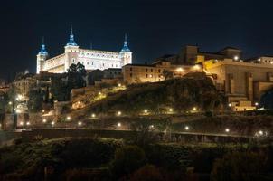 Toledo Cityscape 's nachts. Spanje