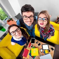 drie grappige nerds samen foto