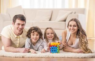 gelukkig gezin foto