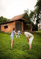 familie op de boerderij foto