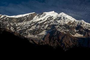 uitzicht op dhaulagiri foto