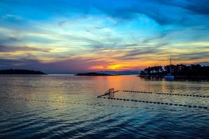 kleurrijke zonsondergang foto