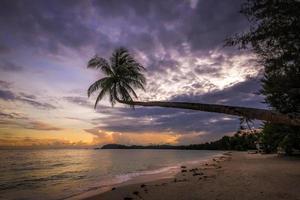 Indonesische zonsondergang foto
