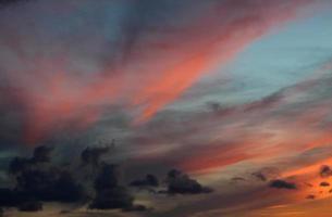 onheilspellende zonsondergang
