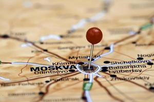 Moskou vastgemaakt op een kaart van Europa