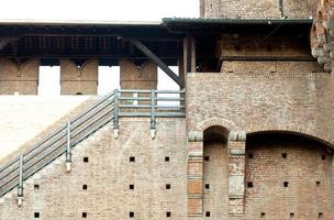 muur van sforzesco kasteel in milaan foto