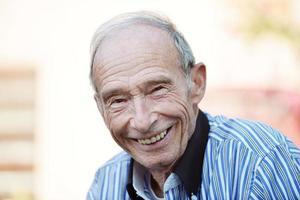 portret van een oude man foto