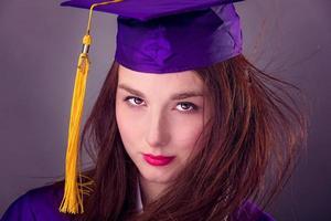 vrouwelijke afstuderen