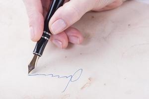 vrouwelijke handtekens foto