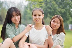 drie vrouwelijke studenten foto
