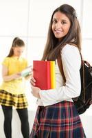 gelukkige vrouwelijke student foto