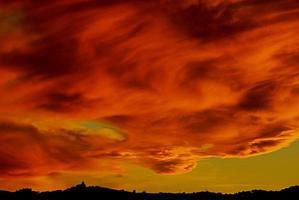 zonsondergang over calvi foto