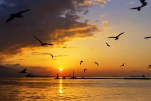 zonsondergang in Izmir foto