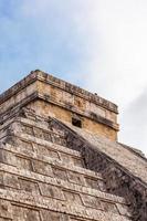 close up chichen itza, Maya-piramide, yucatan, mexico foto